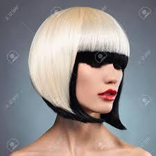異常なボブの髪型と美しい女性赤い唇モデルねえ彼女 の写真素材