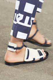 Pin by Effie Cohen on Pretty Woman | Stunning shoes, Shoes, Casual shoes