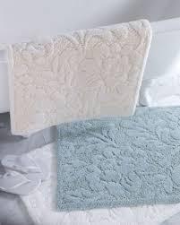 Decorative Bathroom Rugs Choosing Right Bathroom Rugs Design Ideas Decor