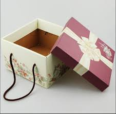 corrugated paper gift bo