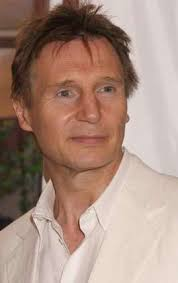 play Liam Neeson ganz in Weiss an der «Star Wars»-Premiere.(AP) - Liam-Neeson