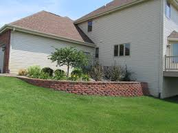 retaining wall block red in caledonia il