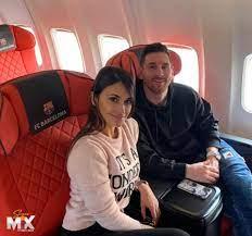 Screen Mix - ليو ميسي برفقة زوجته أنتونيلا روكوزو في...