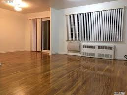 residential property for in 61 08 218 st queens ny 11364