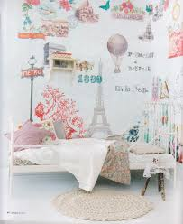 Paris Bedroom Wallpaper Paris Themed Girls Room Love The Wall Paper And Lady Like Bed