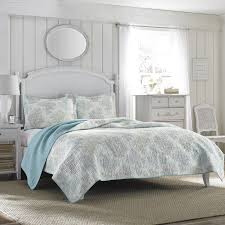 Amazon.com: Laura Ashley Saltwater Reversible Quilt Set, King ... & Amazon.com: Laura Ashley Saltwater Reversible Quilt Set, King: Home &  Kitchen Adamdwight.com
