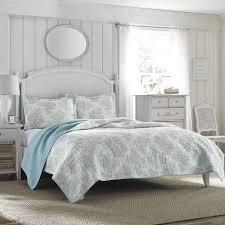 com laura ashley r reversible quilt set king home kitchen