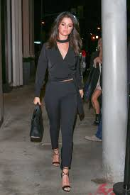 Selena Gomez Charts 10 Times Selena Gomez Proved Her Street Style Game Is Off