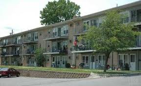 Superior Crestwood Apartments