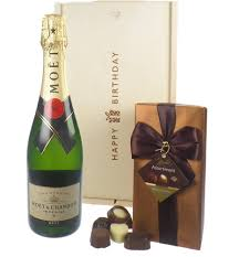 03588180 3ce7 489c 8fe4 6e84b87328 moet chandon nv chagne and chocolates birthday gift png