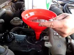 Toyota Hilux mk4 Oil & Oil Filter Change Part 1/2 - YouTube