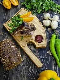 Сервировочная деревянная тарелка доска для стейка и гриля ...