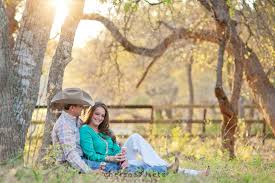 a love story hill country engagement photos chelsea lietz