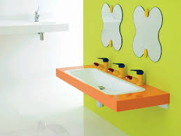 creative-bathroom-mirror-ideas-with-a-splash-shape-