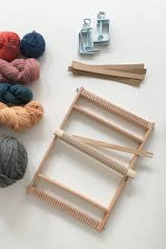 how to weave a scarf on a frame loom follow this beginner diy tutorial and