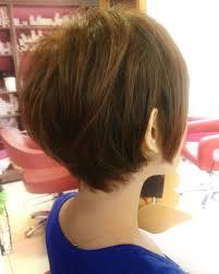 首が短い長い人が似合う髪型で本当の小顔効果も実現流行りのミニボブ