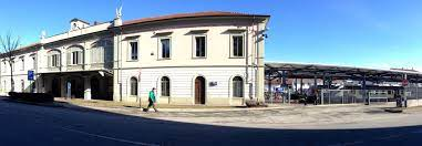 Stazione di Rivarolo Canavese - Wikipedia