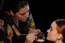 previously from baltimore jillian holiday is a freelance makeup artist now located in los angeles ca she is a graduate from make up designory in burbank