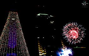 tree lighting indianapolis. fireworks after the tree lighting indianapolis e