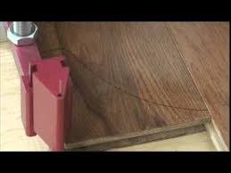 installing hardwood floor around curved