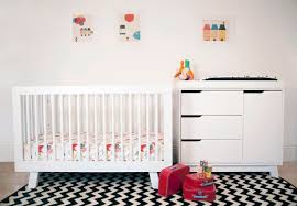 hudson in convertible crib with toddler rail in white twinkle