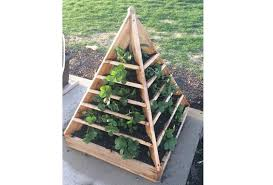 pyramid planter space saving diy vertical gardens