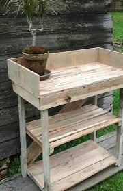 repurposed pallet potting bench