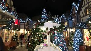 Yankee Candle Christmas Tree Lighting My Dizzying Visit To Christmas At Yankee Candle Village