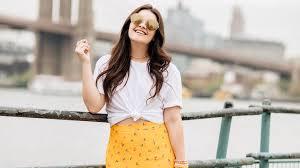 Stylish white pants ideas for ladies Casual Stylecaster How To Wear Plain White Tshirt 20 Stylish Ways Stylecaster