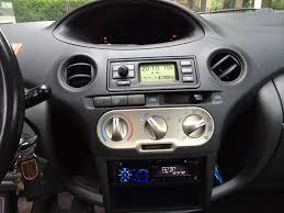 File:Toyota Yaris Dashboard 01.jpg - Wikimedia Commons