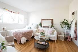 House Tour: A Smart 300 Square Feet Austin Apartment   Apartment ...