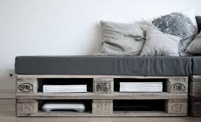 El Sofá Contemporáneo Es Un Palet Reciclado  Decoración De Sofa Cama Con Palets