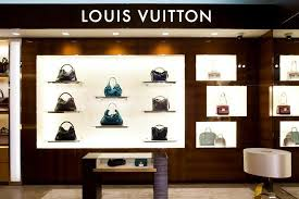 louis vuitton store interior. harrods woos all the high-heeled fashionistas by opening a new louis vuitton store on ground floor. clients can pick from wide range of interior