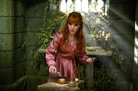 Supernatural Season 15: Ruth Connell Talks Rowena's Journey - Den ...