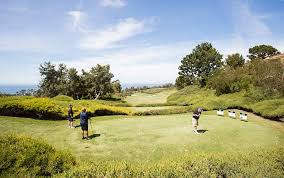 CSUF News Center - Fun on the Links = Scholarships