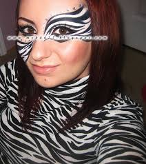 all you really need is the makeup you could also do a cheetah print instead too