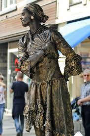 living statue paint living statues straattheater met levende standbeelden circus makeup living statue