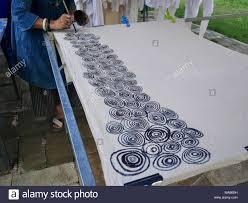 How To Draw Batik Designs Thai Women Create And Making Batik Tie Dye Mauhom Natural