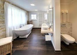 Decken Fr Badezimmer Latest Bilder Im Badezimmer Vornehm Im Bad