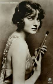 Corinne Mae Griffith (November 21, 1894 – July 13, 1979) was an American  film actress, producer and author. | Silent film, Silent film stars,  Classic movie stars