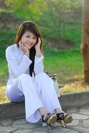 Image result for em áo dài trắng