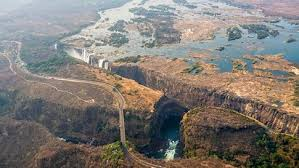 Shungu namutitima, boiling water) is a waterfall on the zambezi river in southern africa. Africa S Victoria Falls Threatened By Drought Tourism Power Generation At Risk The Weather Channel Articles From The Weather Channel Weather Com