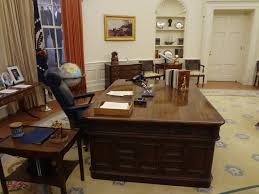 oval office desks. Gerald R. Ford Museum: Oval Office Desk Desks O