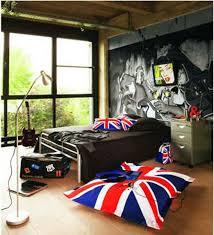 Lovely British Teen Bedroom!