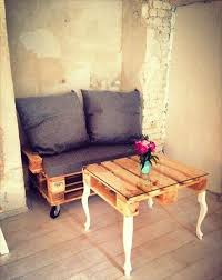 Duplicate this wooden pallet coffee table that has been done with diagonal filling of pallet slats, and it also comes with an elegant bottom shelf! Diy Pallet Coffee Table Cute Diy Projects