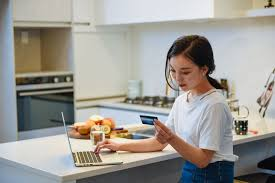 This card is meant for those who don't have amazing credit. Best Credit Cards For International Students