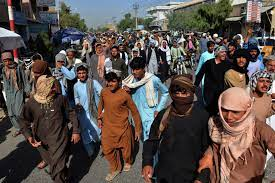 """لا نريد رؤيتكم بعد 3 أيام"""".. سكان قندهار يحتجون ضد عمليات طردهم من قبل  طالبان - CNN Arabic"""