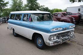 File:1961 Chevrolet Apache Suburban.jpg - Wikimedia Commons