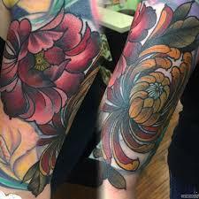 пион с желтыми листьями тату на плече у парня добавлено иван