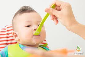 Cách sắp xếp thời gian biểu cho trẻ ăn dặm theo từng giai đoạn mẹ cần  biết-Viện Dinh dưỡng VHN Bio